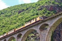train-jaune-pyrenees-orientales